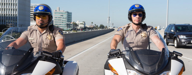 Trailer: Michael Peña & Dax Shepard in «CHiPs»