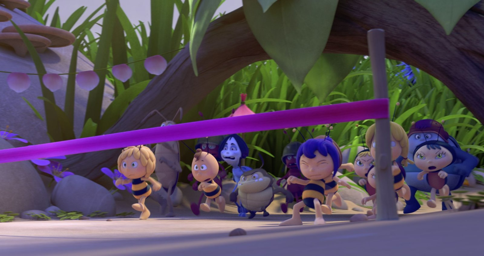 pictures - maya the bee  the honey games