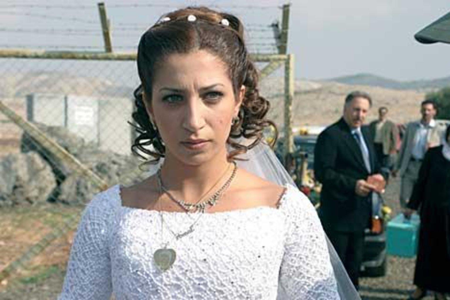 the syrian bride الفلم السوري ـ طعم الليمون ـ أمل عرفة ـ حسن عويتي | ta3m al lemon - duration: 1:10:53 للإنتاج الفني والتوزيع - xyz rgb art production.