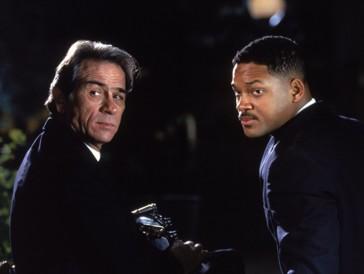 Tommy Lee Jones und Will Smith brachten Komik in die Geschichte der «Men in Black». Als Alien ohne Aufenthaltsbewilligung ist mit diesen beiden aber nicht zu spassen.