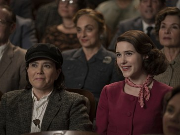 Ein ungleiches Paar, das nichtsdestotrotz harmoniert: Susie (Alex Borstein) und Midge (Rachel Brosnahan).