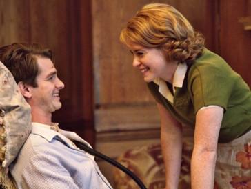 Das Leben erträgt sich besser mit Humor: Andrew Garfield und Claire Foy in «Breathe – Solange ich atme».