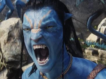 Platz 1 | James Cameron weiss offensichtlich ganz genau, was er tut: Mit «Avatar» gelang ihm nämlich sein zweiter Mega-Hit. Obwohl der gestandene Meister-Regisseur die Liste der kommerziell erfolgreichsten Filme aller Zeiten mit zwei Filmen anführt, äusserte er sich erst kürzlich negativ über das MCU, das ihm mit den Avengers-Filmen den Rang ablaufen könnte. Er liebe die Filme zwar, hoffe aber, dass es bald zu einer «Avengers»-Müdigkeit kommen werde. Dass eine solche Ermüdungserscheinung in absehbarer Zeit eintreten wird, bleibt im Anbetracht des Cliffhangers in «Avengers: Infinity War» aber höchst unwahrscheinlich. (Weltweiter Umsatz: 2.788,0 Mio $)