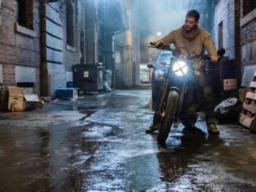 Legt einen rasanten Auftritt hin: Tom Hardy spielt Venom.
