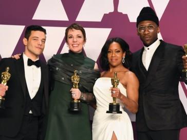 Die strahlenden Gewinner (von links nach rechts): Rami Malek, Olivia Colman, Regina King und Mahershala Ali.