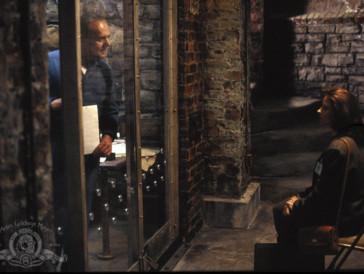 """<font size=""""6""""><strong>3. Das Schweigen der Lämmer (1991)</strong></font><br><br>   Ein Klassiker, der bei jedem Thriller-Fan auf der Must-See-Liste stehen sollte, ist «Das Schweigen der Lämmer»: Der mit Höchstspannung gespickte Streifen mit Jodie Foster in der Rolle der entschlossenen FBI-Agentin Clarice Starling, die mithilfe des inhaftierten Psychoanalytikers und Massenmörders Hannibal Lecter Jagd auf einen Frauenmörder macht, ist auch beim zweiten und dritten Mal ansehen noch genau gleich genial.<br><br>"""