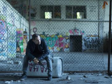 Der Kleinkriminelle Ricky (Moritz Bleibtreu) spielt mit dem Feuer.