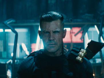 Will Russel an den Kragen: der durch die Zeit reisende, kybernetische Krieger Cable –gespielt von Josh Brolin.