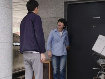 Ours d'argent - Mise en scène: «La Femme qui a couru» d'Hong Sang-soo. Une jeune femme rencontre trois de ses amis alors que son époux est en voyage.
