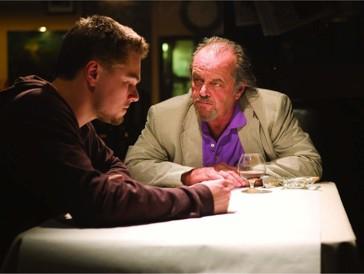 """<font size=""""6""""><strong>6. Departed - Unter Feinden (2006)</strong></font><br><br>   Martin Scorsese zum zweiten: Für die Kreuzung aus Gangster-Drama und Thriller über einen Undercover-Polizisten und einen Maulwurf bei der Polizei, die sich während der Infiltration einer irischen Gang in Boston gegenseitig zu identifizieren versuchen, hat der Spannungsmeister mit Leonardo DiCaprio, Matt Damon, Mark Wahlberg, Jack Nicholson und Alex Baldwin einen Cast der Superlative aufgeboten. <br><br> Die vier Oscars, die «Departed - Unter Feinden» 2007 abstauben konnte, gingen dann aber nicht wie wohl zu erwarten an die Schauspieler, sondern wurden für das beste Editing, die beste Regie, das beste adaptierte Drehbuch und – für einen Thriller sehr aussergewöhnlich – den besten Film vergeben."""