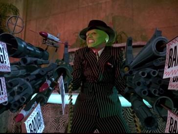 Während die Comic-Verfilmung der Geschichte um die Maske das Ursprungsmaterial in den 90ern mit dem aufstrebenden Comedian Jim Carrey in eine sehr viel komödiantischere Richtung lenkte...