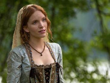 ...denn in der Pilotfolge wurde Daenerys Targaryen noch von Tamzin Merchant gespielt.