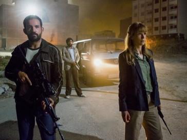 Rosamund Pike entwickelt sich in «Beirut» vom Mauerblümchen zur taffen Draufgängerin.