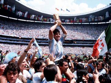 Locarno: «Diego Maradona» - Une légende sur la Piazza Grande