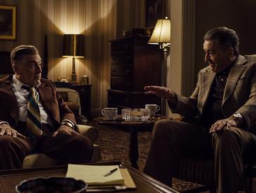 The Irishman | Martin Scorseses Gangster-Epos hat insgesamt fünf Gewinnchancen – unter anderem auch jene auf den Golden Globe für das beste Drama. Auffällig ist aber vor allem die Nominierung der beiden Co-Stars Al Pacino und Joe Pesci, die für den Film digital verjüngt wurden. Dass der Streifen auch beim Oscarrennen um die besten visuellen Effekte ein Wörtchen mitzureden hat, ist nicht auszuschliessen – und auch sonst stehen die Chancen der Netflix-Produktion für die kommende Award-Saison nicht schlecht.
