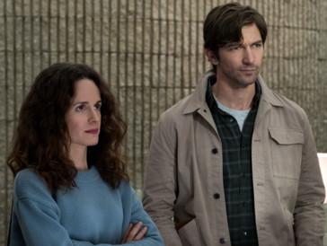 Elizabeth Reaser und Michiel Huisman in «Spuk in Hill House» –Letzterer dürfte einem wegen seiner Rolle in «Game of Thrones»bekannt sein.