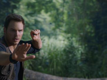 Die Zukunft der Steinzeitechsen liegt nicht nur in Owens alias Chris Pratts Händen: Auch Claire kriegt dieses Mal die Möglichkeit, zu glänzen.