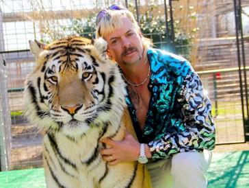 """Actuellement sur Netflix, la série documentaire """"Tiger King"""" sur la vie de Joe Exotic fait le buzz sur la plateforme."""