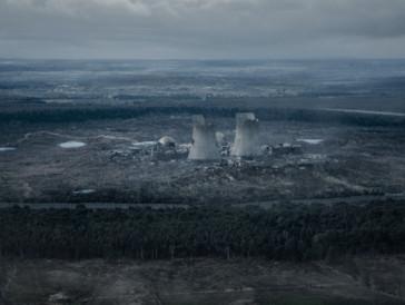 Eine düstere Zukunft: Mit dem Kernkraftwerk nahe der fiktiven Stadt Winden scheint etwas schief gelaufen zu sein.