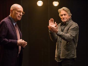Stiehlt Michael Douglas beinahe die Show: Alan Arkin spielt in «The Kominsky Method»ganz gross auf.