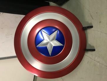 Dieser 1:1 Captain America Schild aus Aluminium wird an der Börse zu ergattern sein.