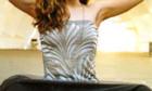 Julia Stiles kann sich endlich feminin anziehen