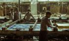Immersion dans la noirceur d'une usine textile - «Machines»