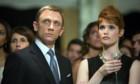 Eins von drei Bondgirls stirbt in den 007-Filmen