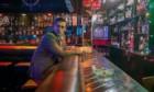 Netflix schickt Jon Hamm in «Beirut» zwischen die Fronten