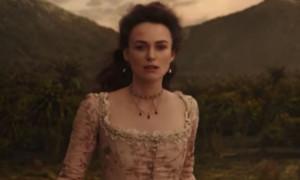 """Lange wurde darüber spekuliert, nun haben die Gerüchte ein Ende: Keira Knightley wird definitiv für Teil Fünf zur """"Pirates of the Caribbean""""-Franchise zurückkehren. In einem kürzlich veröffentlichten, internationalen Trailer ist die junge Britin einige Sekunden lang zu sehen - zur genauen Rolle der kühlen Brünetten ist jedoch noch nichts bekannt. Im Wissen, dass """"Pirates of the Caribbean - Salazar's Rache"""" ab dem  25. Mai bei uns im Kino zu sehen sein wird, konnten die Macher dieses Detail ziemlich lange unter Verschluss halten."""