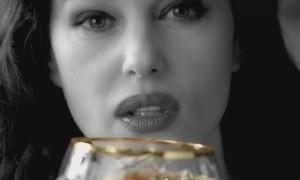 Monica Bellucci: pub Martini avec Dolce & Gabbana