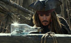 Obwohl «Pirates of the Caribbean: Salazars Rache» weltweit die Kassen klingen liess, muss Johnny Depp bei seiner privaten Haushaltsführung wohl nochmals über die Bücher: Wie jetzt bekannt wurde, schuldet er seiner Beratungsfirma mehrere Millionen Dollar. Obwohl Depp 2016 48 Millionen Dollar eingenommen haben soll, kann er die Schulden aber offenbar nicht zurückzahlen - zuzuschreiben ist das wohl vor allem seinem ausschweifenden Lebensstil: Der Amerikaner gibt monatlich geschätzt 2 Millionen Dollar aus - 40 Angestellte, ein Privatjet, ein Schloss, mindestens fünf weitere Immobilien, eine Yacht und 45 Luxusautos müssen eben irgendwie finanziert werden?